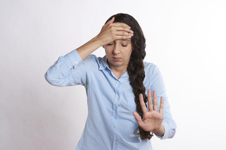 Często dopadają Cię silne bóle migrenowe? Jest na to sposób! (o leczeniu botoksem)