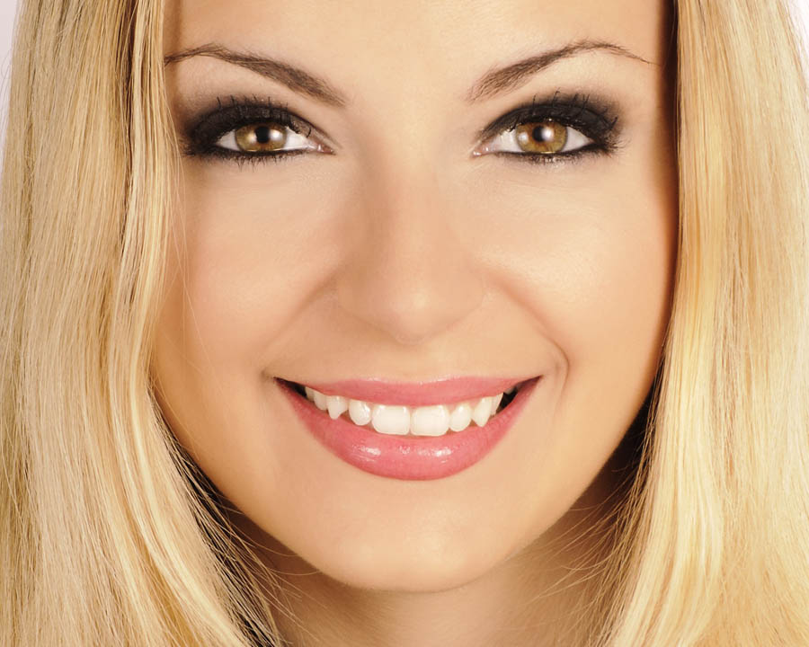 Jak uzyskać aktorski uśmiech?