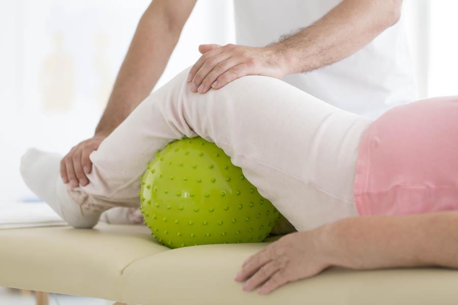 Endoproteza stawu kolanowego – rodzaje i powikłania