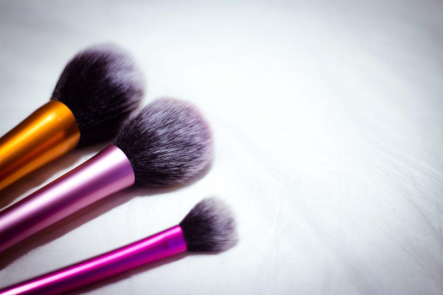 Pędzle do makijażu dla początkujących – te muszą trafić do Twojej kolekcji!