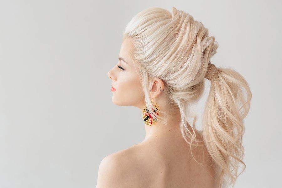 Chłodny blond – dla kogo?