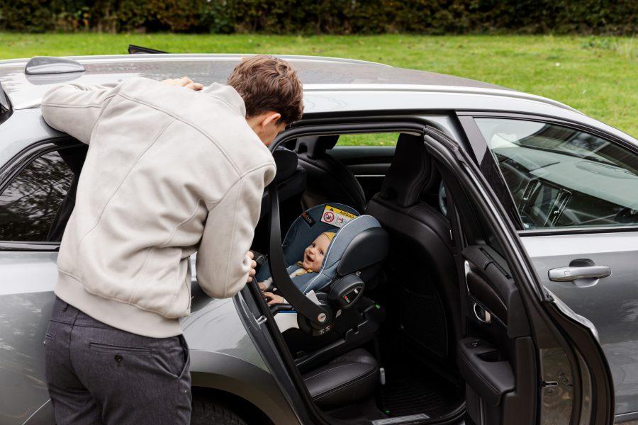 Fotelik samochodowy 0-13 kg – co jest najważniejsze?